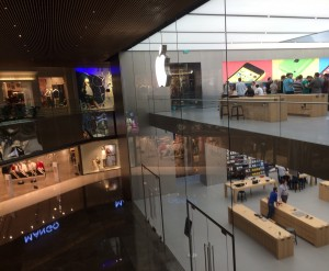 apple-store-istanbul-3